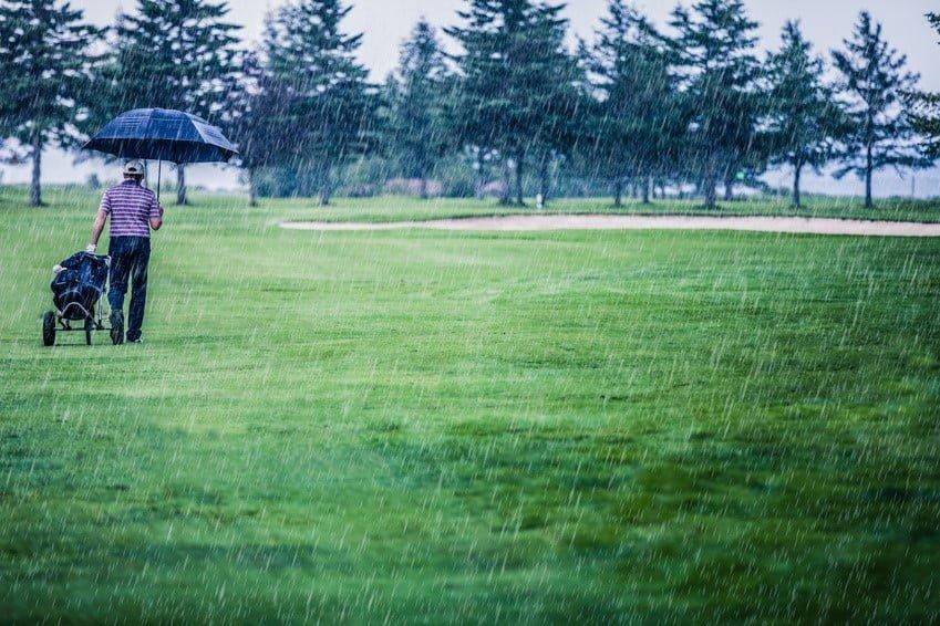 regnvejr_paa_golfbanen